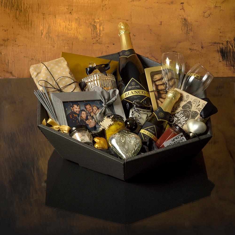 Toller Geschenkkorb für alle Apéro Fans mit Rimuss und anderen coolen Überraschungen