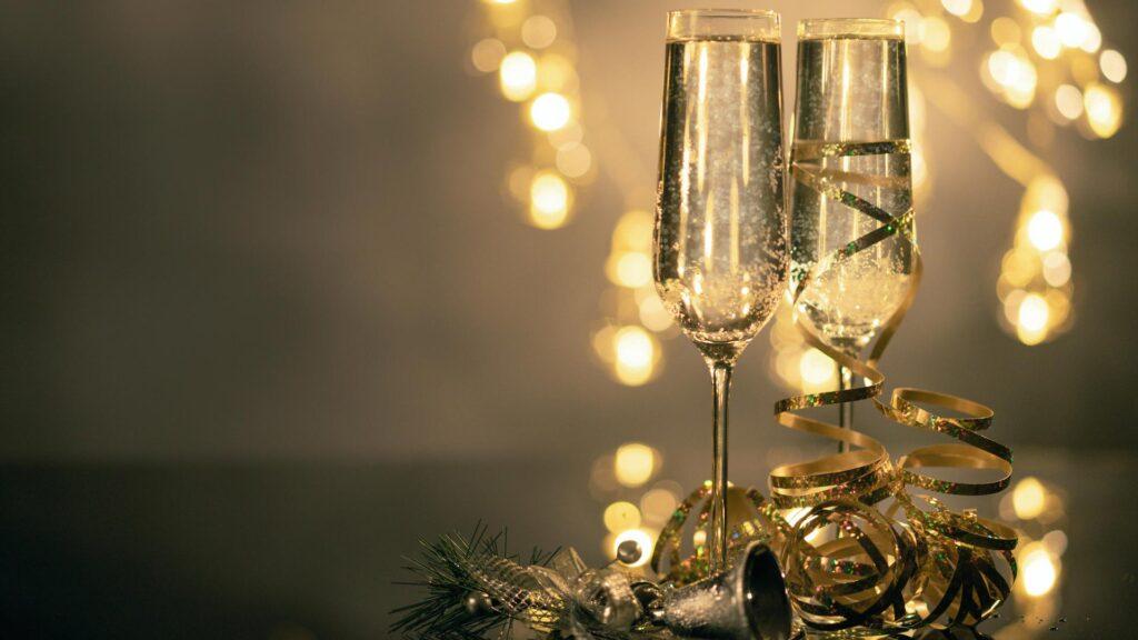 Zwei schöne Gläser mit Rimuss an Silvester