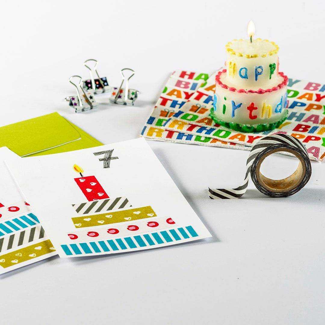Eine Idee zum Basteln für die Einladung um Kindergeburtstag. Eine Torteneinladungskarte