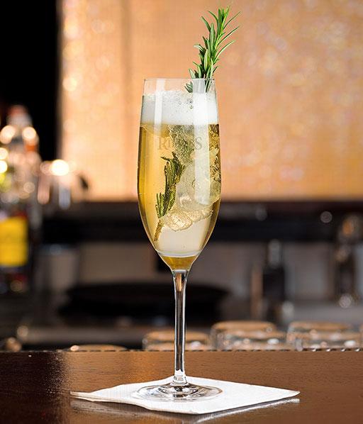 Rimuss alkoholfreier Mocktail Rosmary Love mit Rosmarin