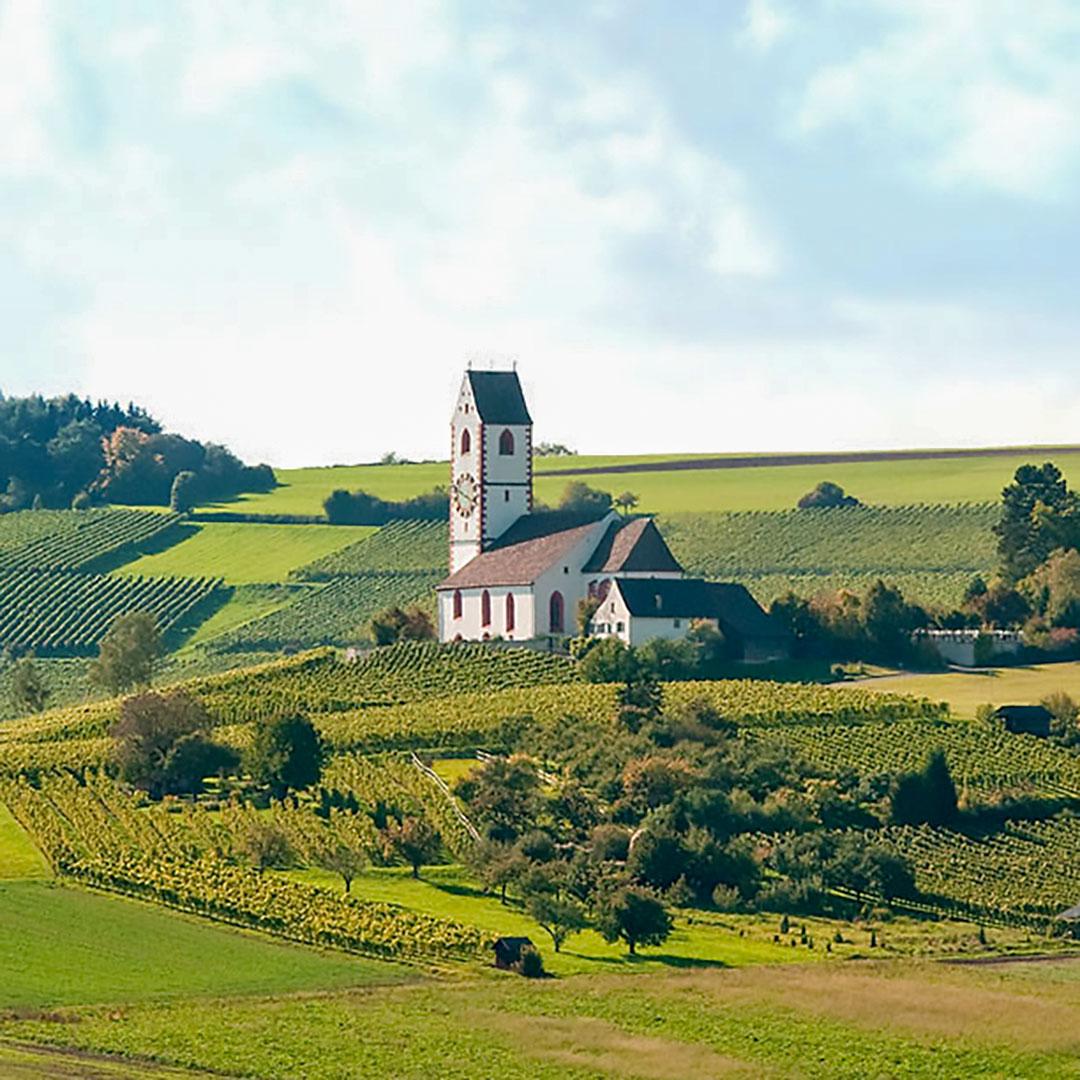 Velo tour durch den Klettgau und durch Hallau mit der malerischen Bergkirche