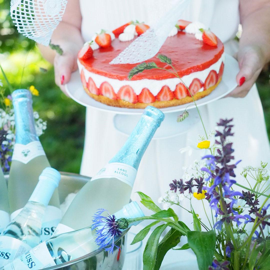 Midsommar Apero mit Rimuss Fresh und einer leckeren, leichten Erdbeertorte