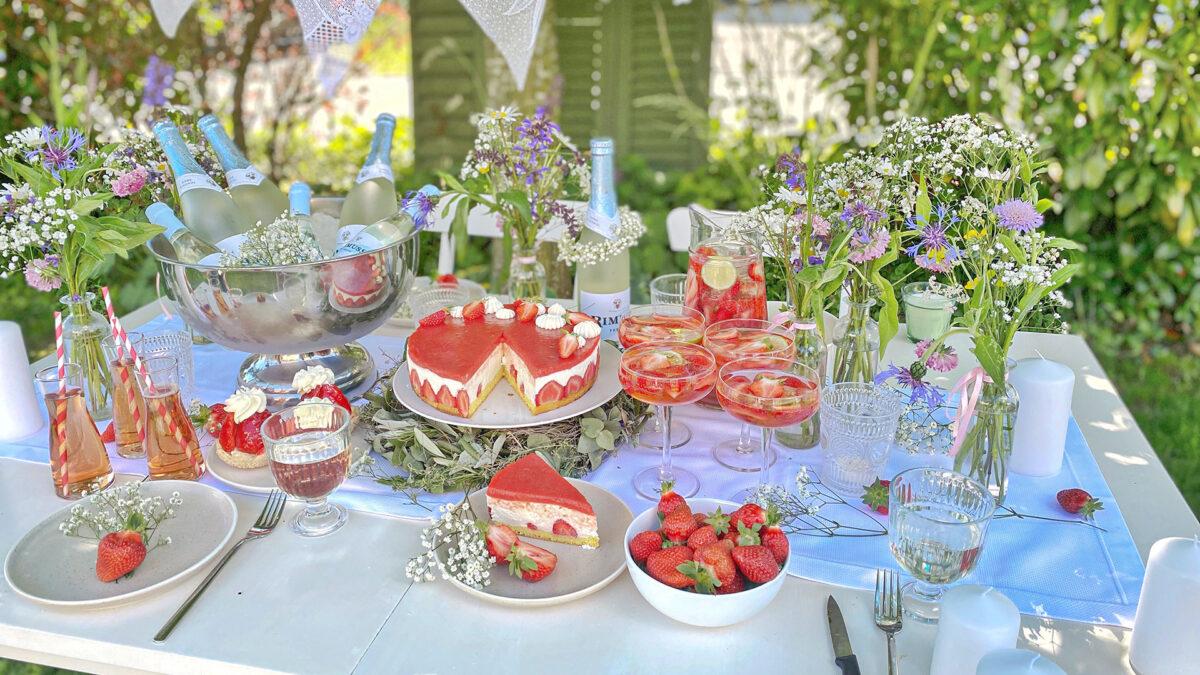 Ein schönes Sommerpicknick mit RImuss Fresh, Erdbeertorte und Erdbeerbowle